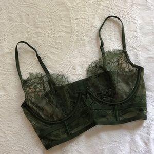 🌿 Victoria's Secret green lace bra 🌿